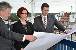 Prime Minister Julia Gillard and Vice Chancellors Professor David Lloyd and Professor Warren Bebbington