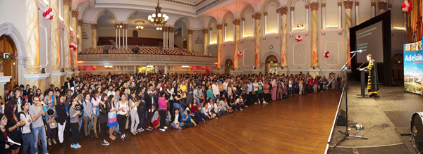 Almost 900 of Adelaide's newest international students received a very special welcome from Adelaide Lord Mayor Stephen Yarwood on 27 March.