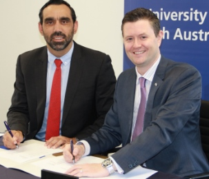 CEO of Indigenous Defence Consortium, Adam Goodes with Vice Chancellor Professor David Lloyd