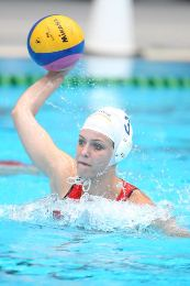 Belinda Symons playing water polo