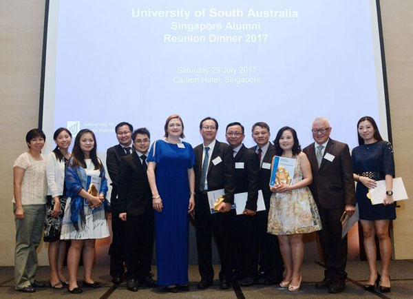 Deputy Vice Chancellor : Research and Innovation, Professor Tanya Monro with Singapore Chapter Committee members