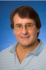 Associate Professor Gary Howat