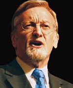 Gareth Evans delivering the 2003 Annual Hawke Lecture
