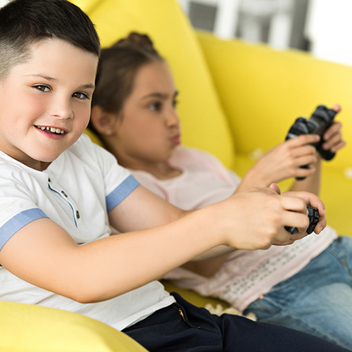 Kids video game_shutterstock_1118763827_web.jpg